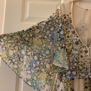 NWOT FREE PEOPLE dress-layered & w/flutter sleeves